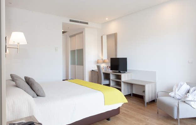 Junior-suite albir playa hotel & spa  alfaz del pi
